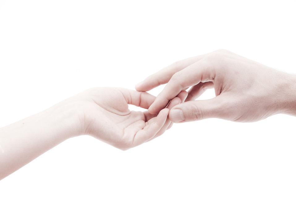 Die Paarbeziehung entsteht durch achtsame, tiefe Berührung auf emotionaler und körperlicher Ebene.